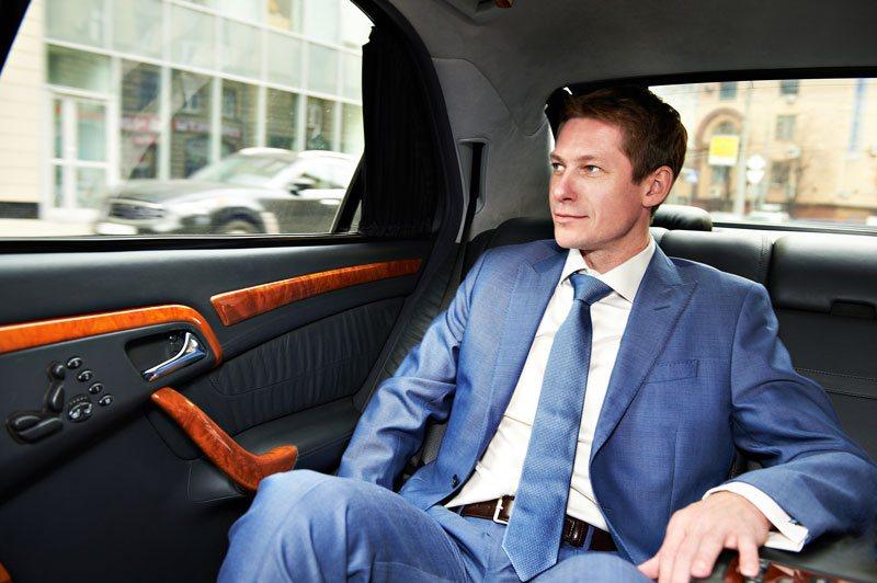 car-rental-chauffeur-img